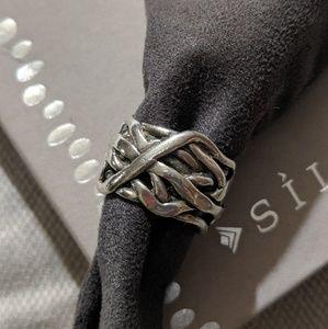 "Silpada Jewelry - Silpada Pearl ""Mermaid"" Ring. Retired Size 7"